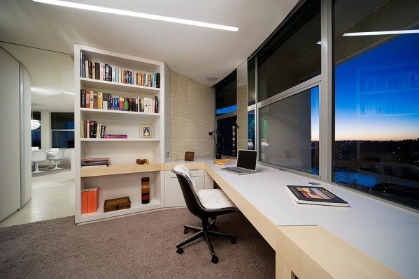 modern-apartment-with-home-office-e1386218210210