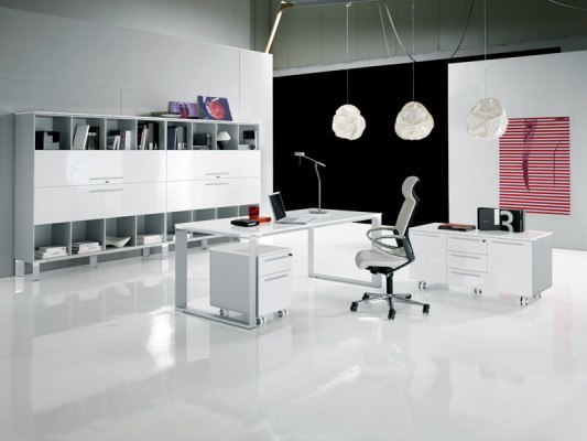 White-Modern-Office-e1386215771463